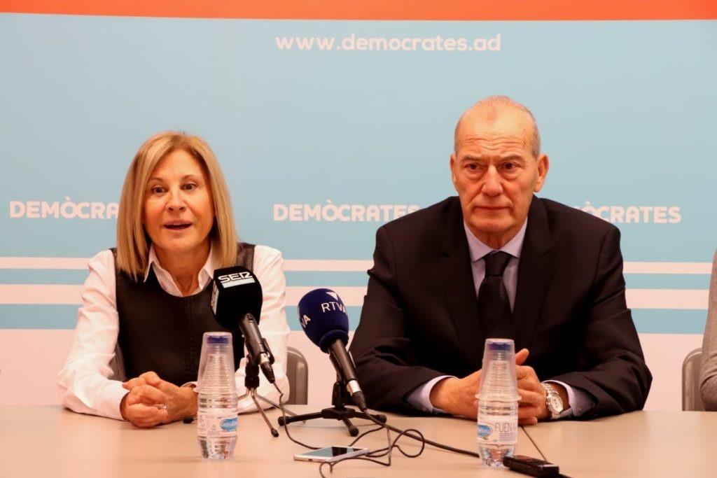Els consellers de la minoria, Núria Barquín i Miquel Aleix.
