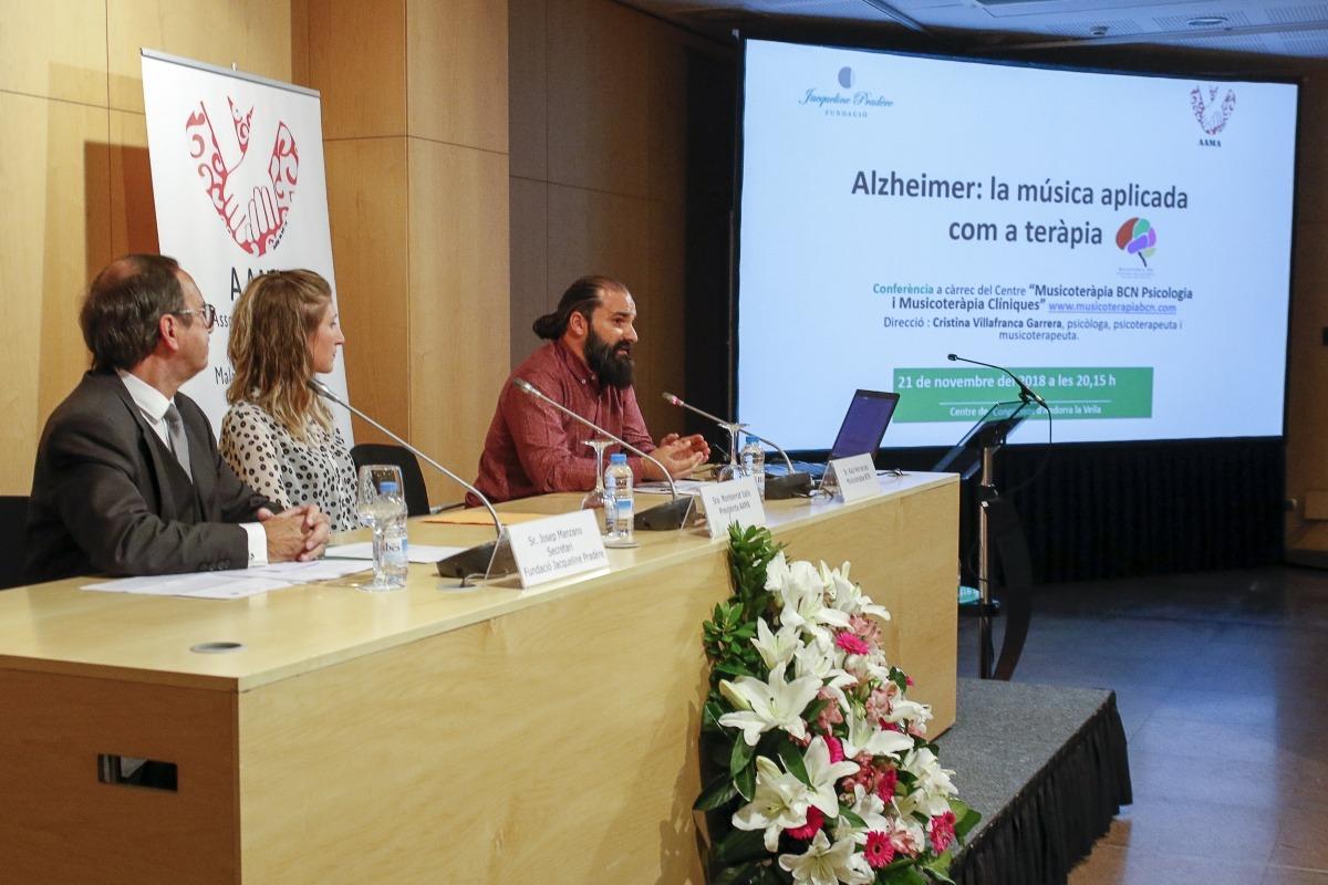 Raül Hernández durant la xerrada.