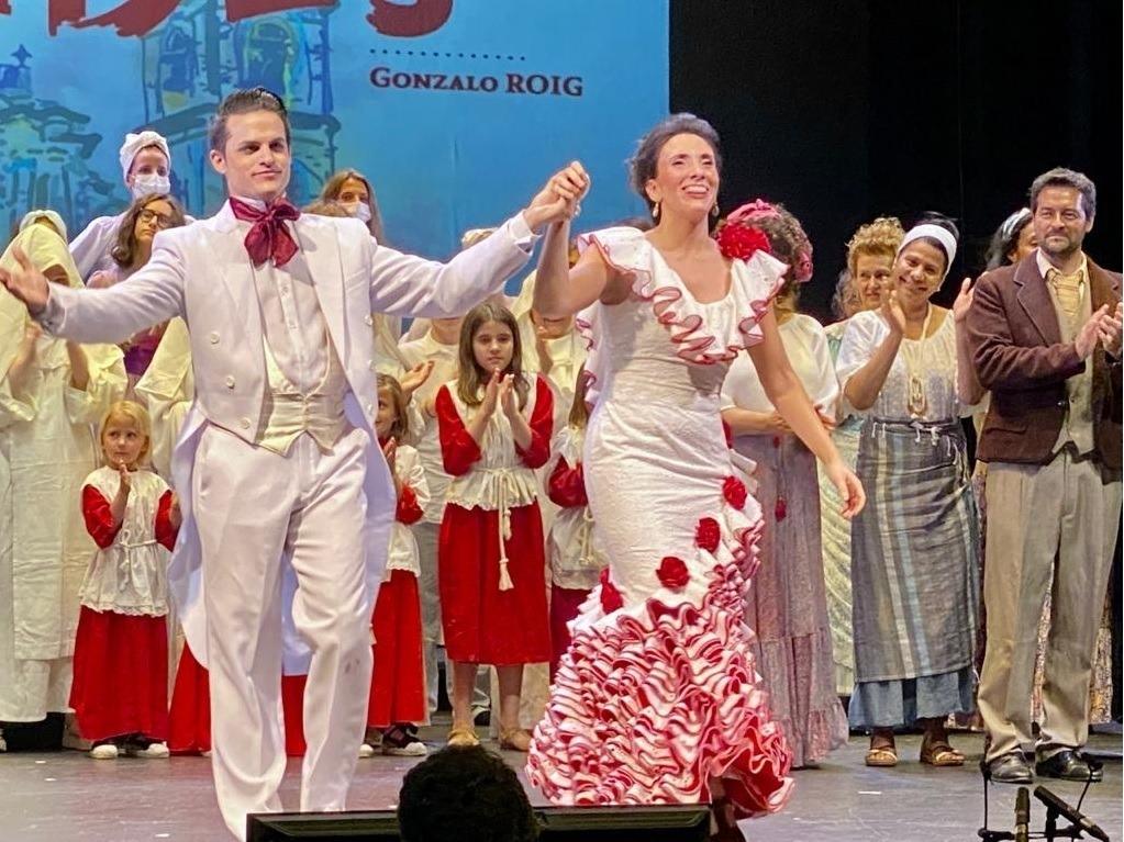 Jonaina Salvador, amb el tenor cubà Andrés Sánchez Joglar, el maig passat al Claror a la sarsuela 'Cecilia Valdés'.