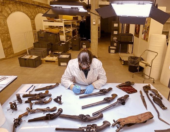 Col·lecció d'armes probablement procedents d'una partida carlina.