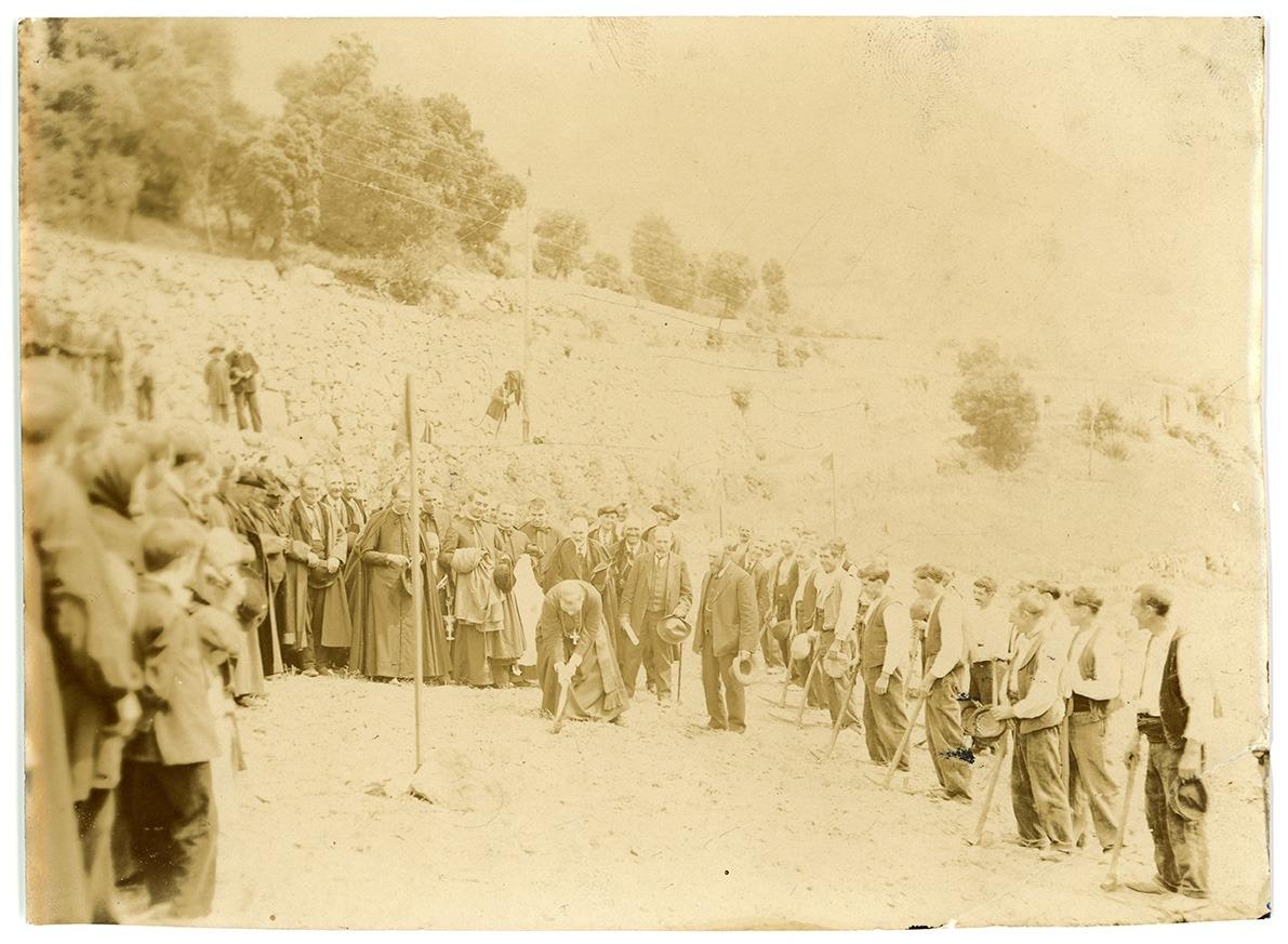 El bisbe Benlloch inaugura la carretera General, el 24 d'agost del 1913.