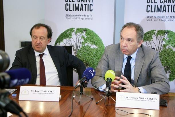 El secretari tècnic de l'EFA, Joan Tomàs i el president de l'entitat, Francesc Mora, en una roda de premsa anterior.