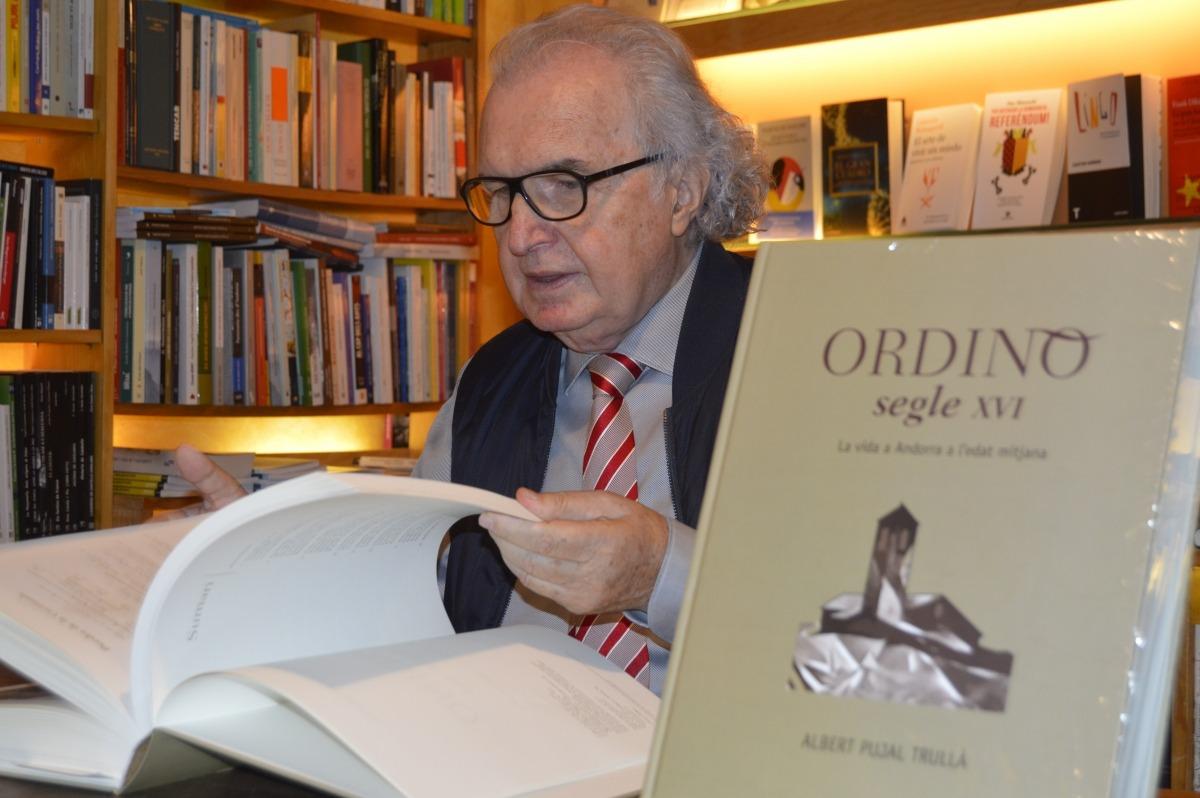 Albert Pujal escriu part de la història d'Andorra amb l'estudi de 48 cases