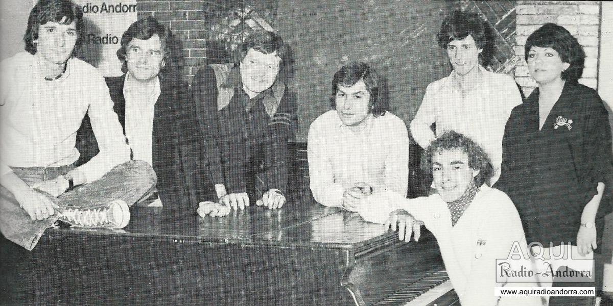Estudis del roc de les Anelletes, 1978: Lafontaine, ajupit, a la dreta; Michel Cotet és el tercer per l'esquerra, i Guillard, el segon per la dreta.
