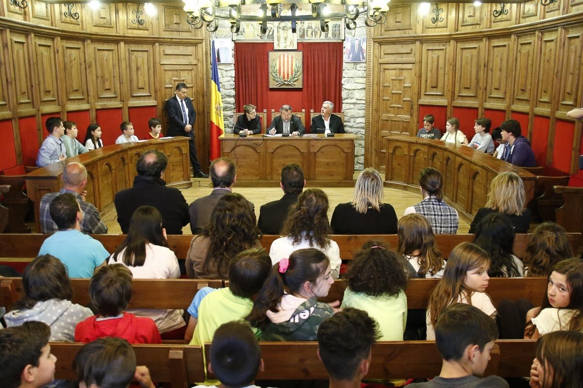 Un moment de la sessió del Consell d'infants de Sant Julià de Lòria d'ahir.