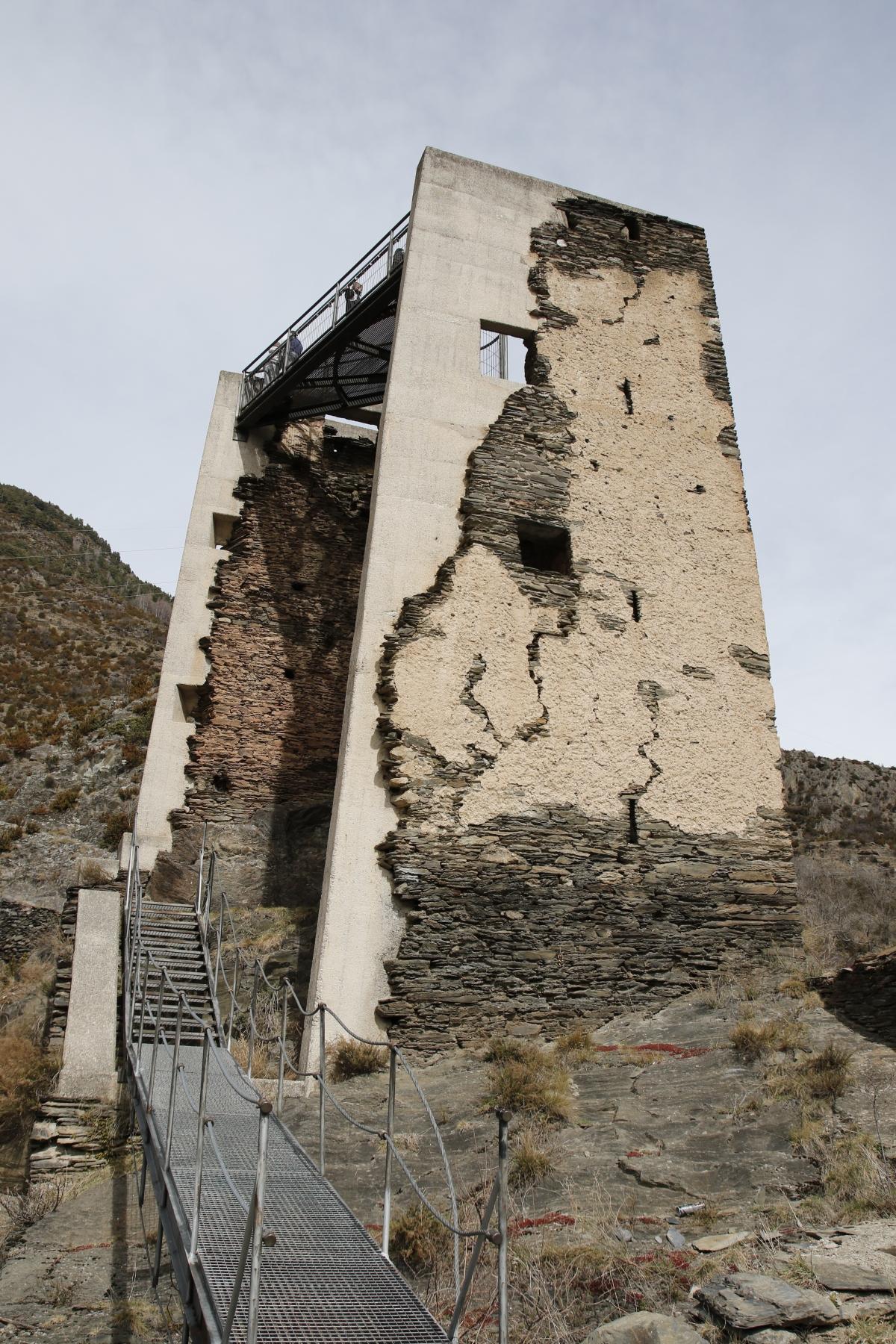 La Torre dels Moros, a les Bons.