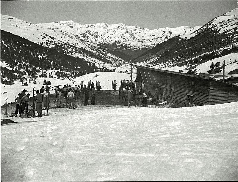 Hivern del 1934: una de les imatges més antigues del xalet-refugi d'Envalira, que s'havia inaugurat el desembre anterior.