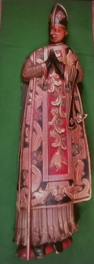 Cenotafi que cobreix la tomba de Simeó a la cripta de la catedral de Santa Maria, recentment restaurat pel Centre de Restauració de Béns Mobles de Catalunya.