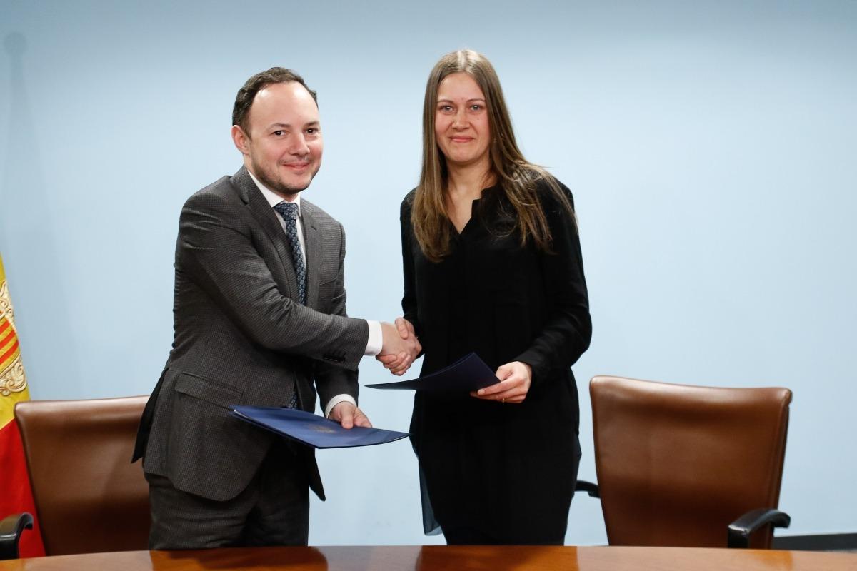 Xavier Espot i Marta Vidal van signar ahir el conveni.