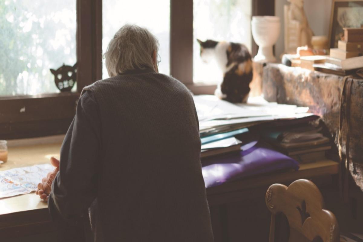 Sergi Mas, al taller de la casa Duró d'Aixovall, on es va instal·lar el 1957 i on va viure fins al 2017: forma part de 'Comiat diferit'.