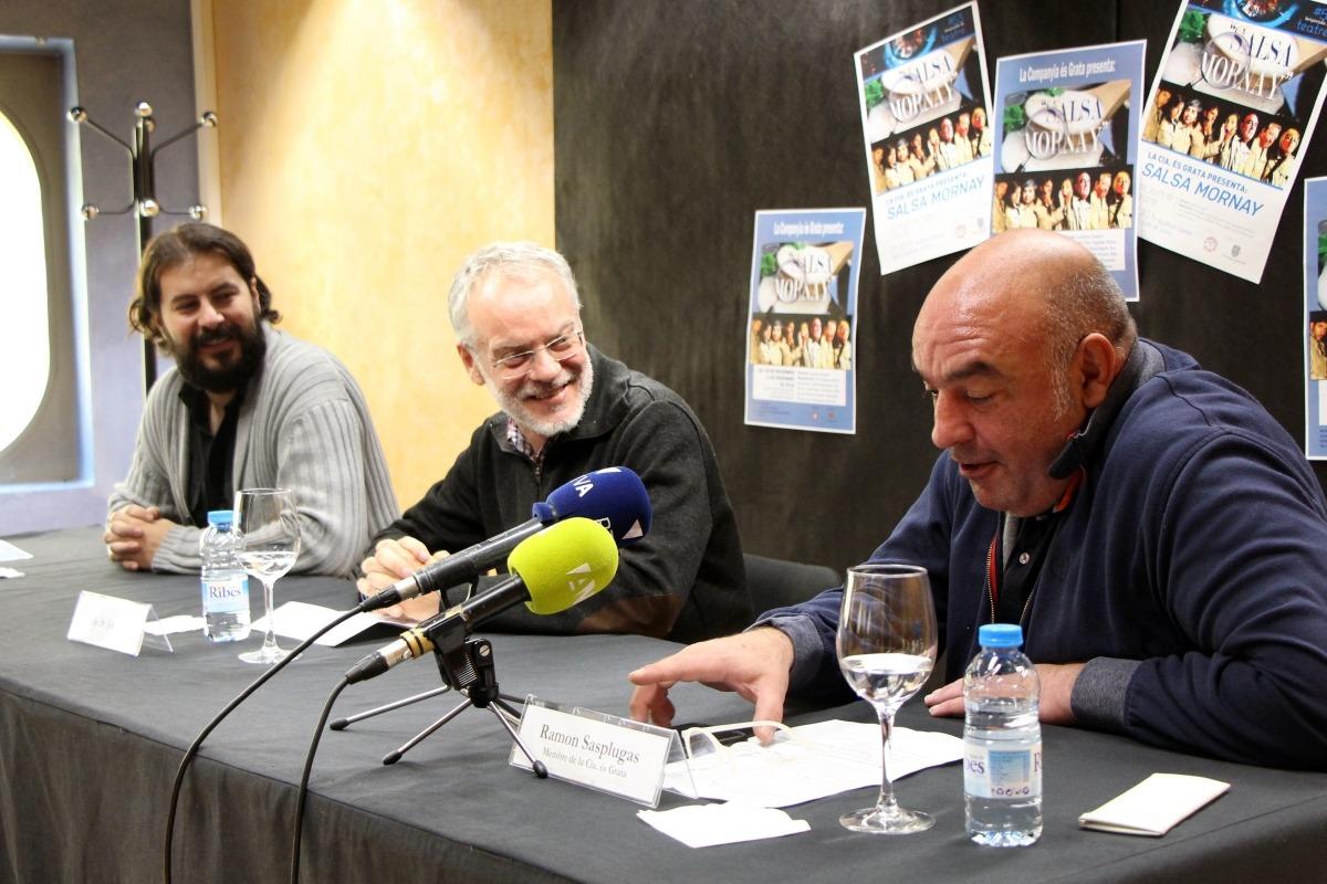 Casero, el conseller Josep Roig i Sasplugas van presentar ahir 'Salsa Mornay'.