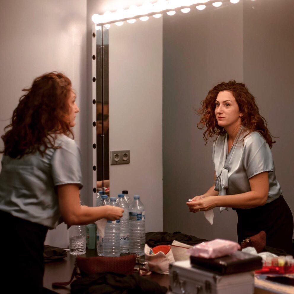 L'actriu, al camerino de les Fontetes en un assaig per a l'estrena andorrana de 'Èxit'.