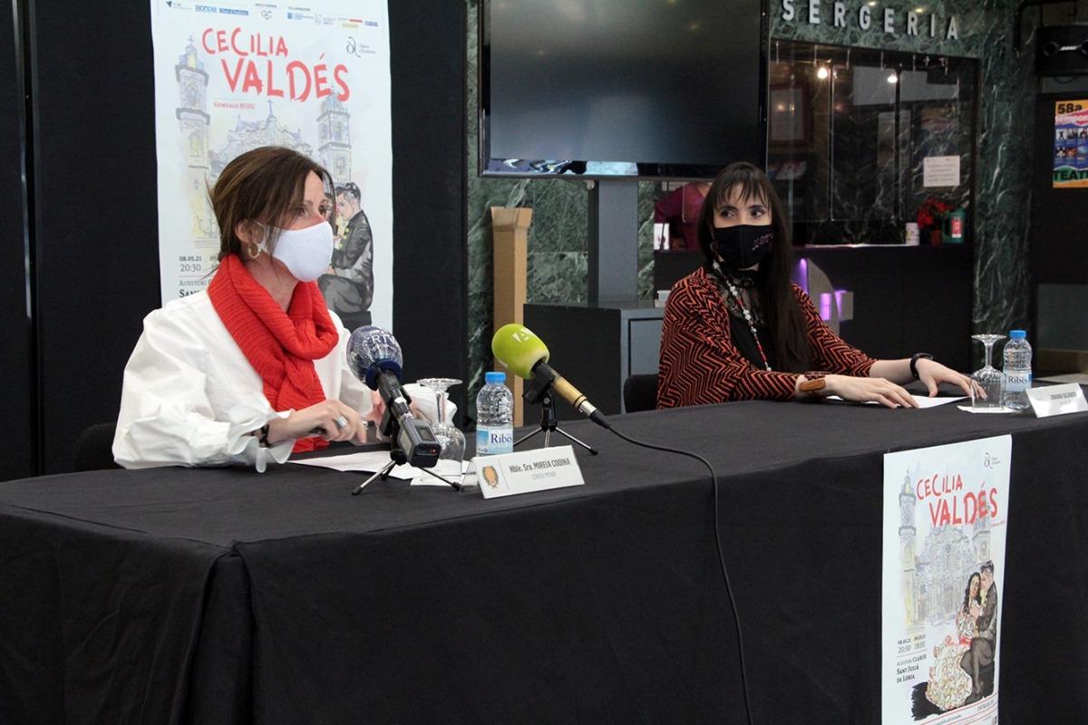 Mireia Codina i Jonaina Salvador van presentar ahir l'espectacle final del curs.