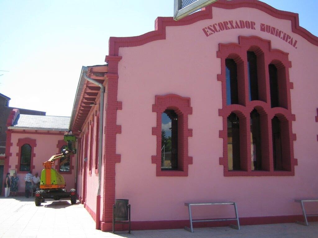 El Centre Cívic l'Escorxador de la Seu d'Urgell.