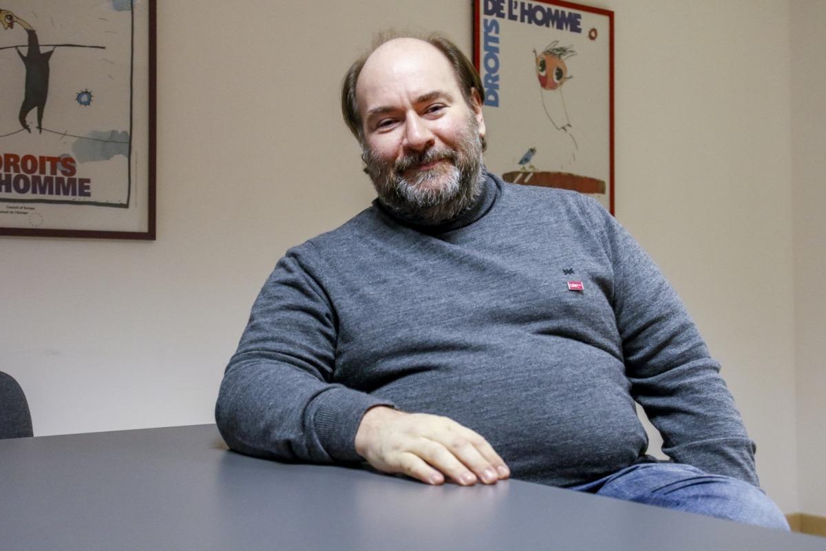 L'astrofísic Joan-Marc Miralles, moderadament optimista respecte a les possibilitats que hi hagi vida extraterrestre, ni que siguin microorganismes, al Sistema Solar.