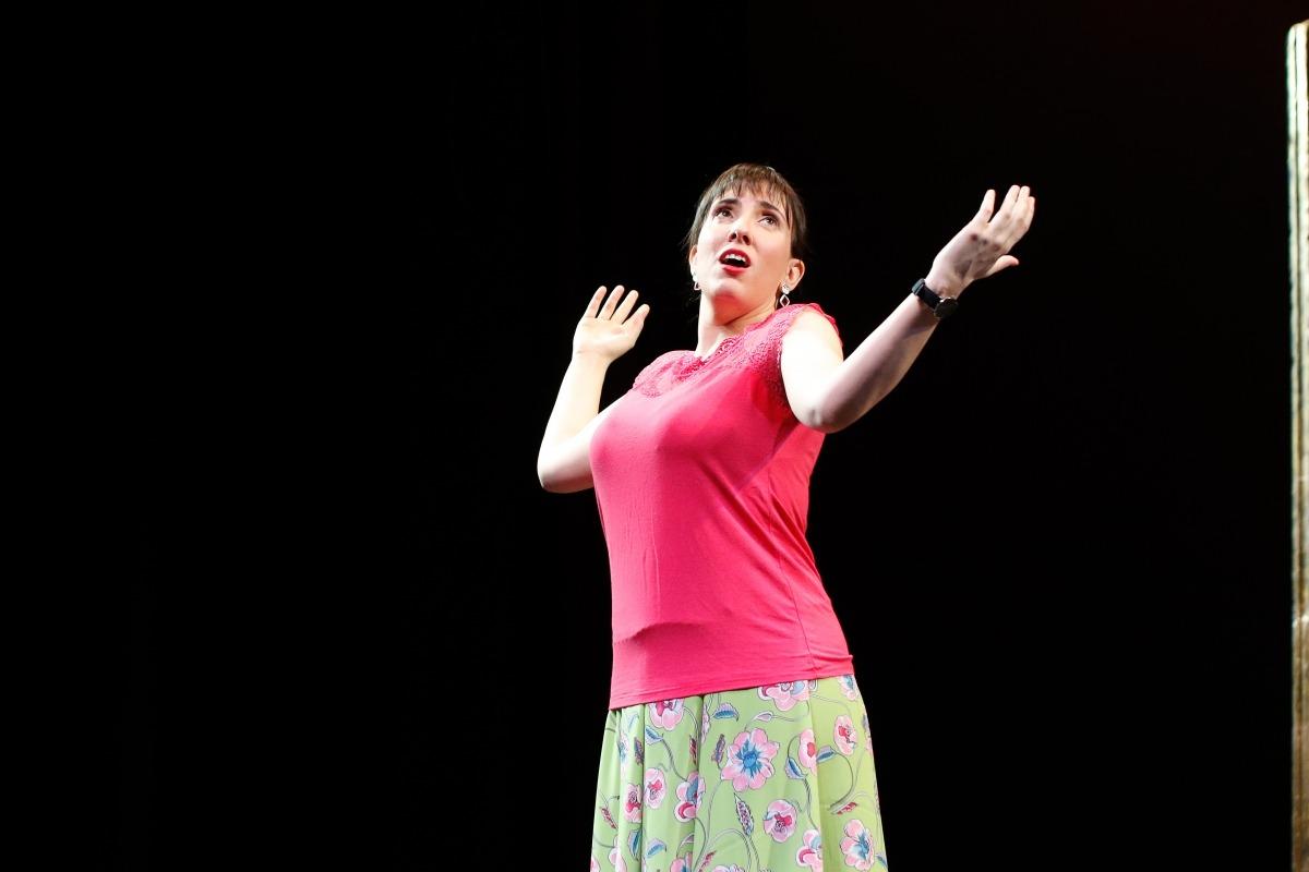 La soprano, en un descans dels assajos de 'La Corte de Faraón', el maig passat al Claror lauredià.