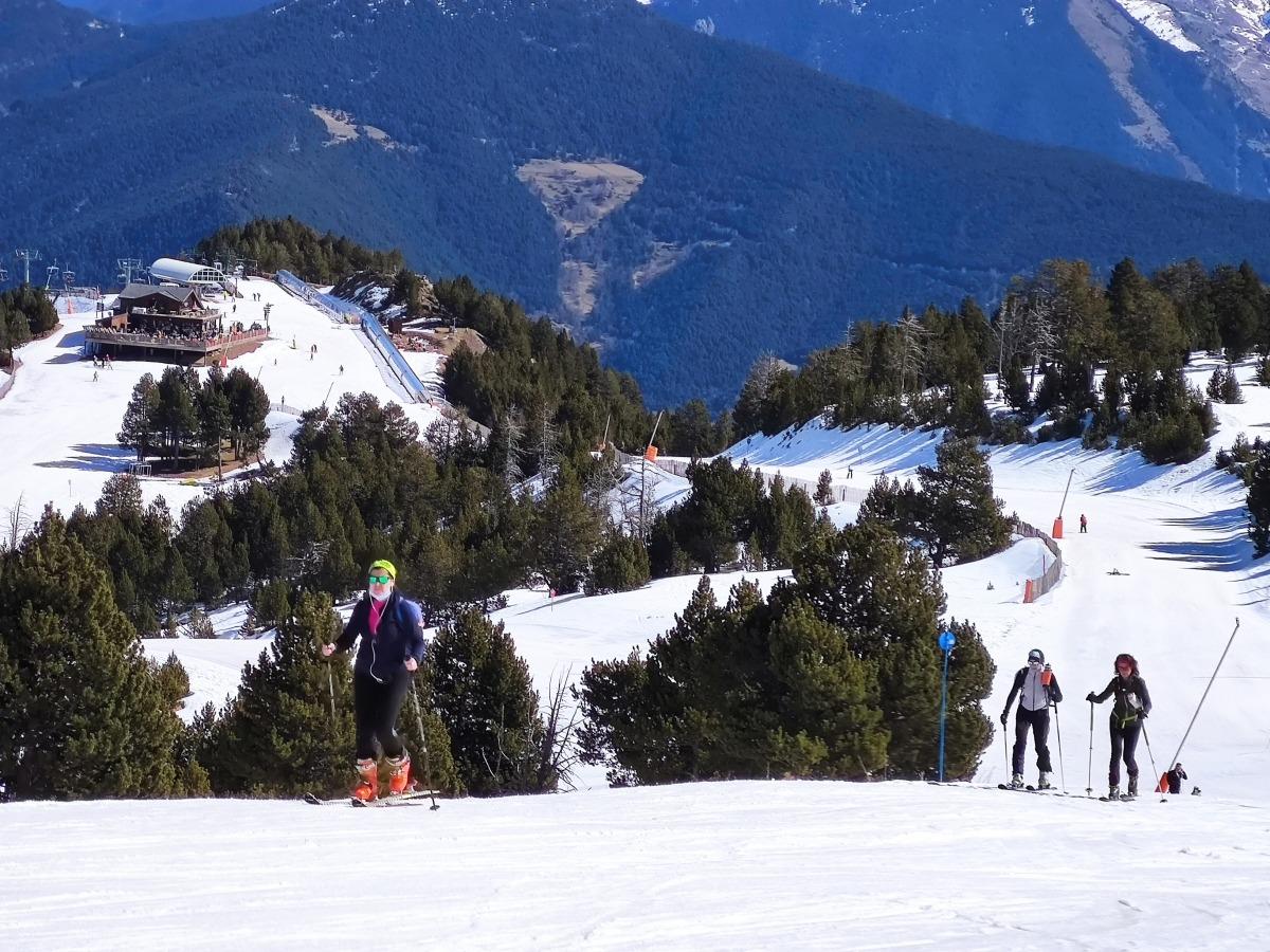 Segons les autores de la monografia, el terme més implantat a Andorra és 'esquí de muntanya', per sobre de 'skimo' i 'randonnée'.
