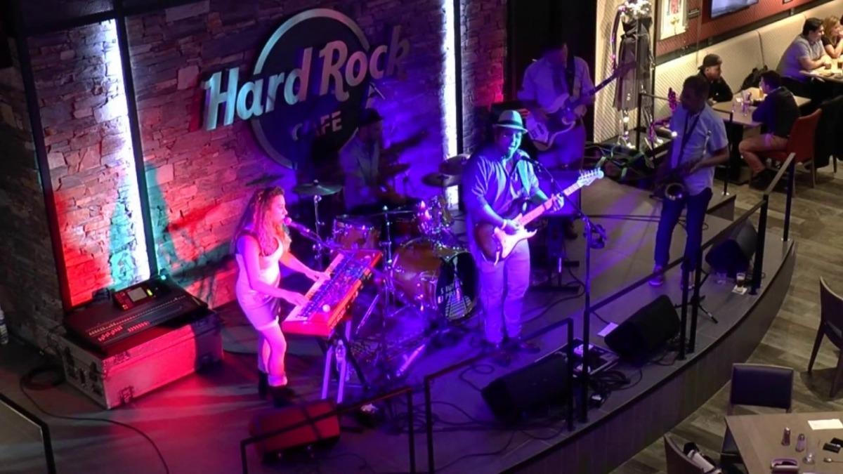 Coco, Marcus, Dante i Paul DeVille, el setembre del 2017 al Hard Rock de la capital.
