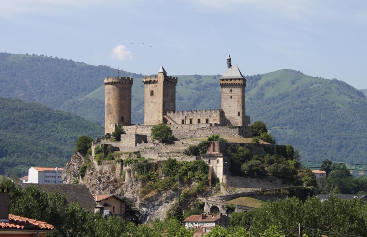 Casa de la Vall, el conjunt catedralici de la Seu i el castell de Foix són els tres eixos arquitectònics de la candidatura transnacional que liderarà Andorra: s'hi afegiran altres deu monuments del país, entre els quals Santa Coloma i el jaciment de la Margineda.
