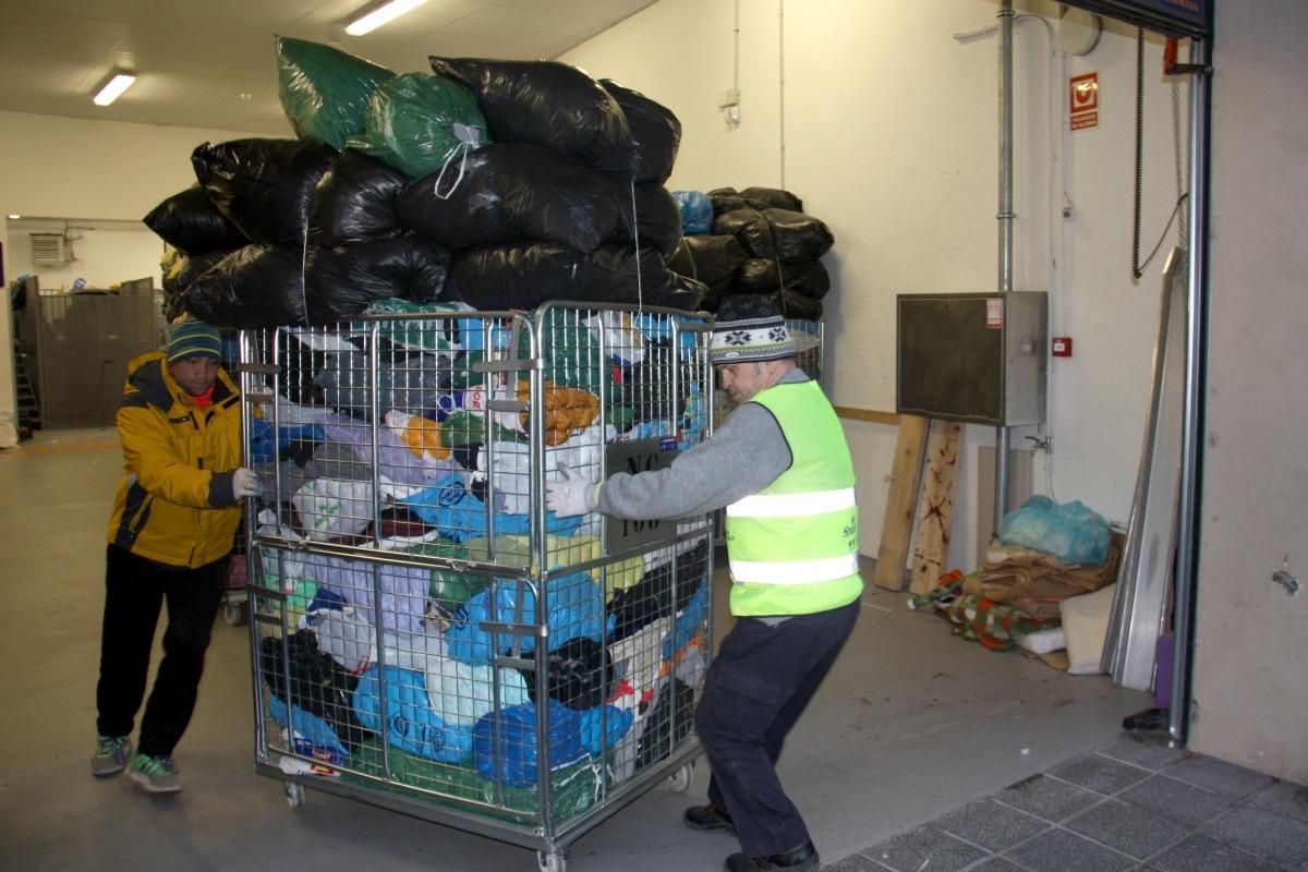 300.000 quilos de roba usada recollits per Càritas
