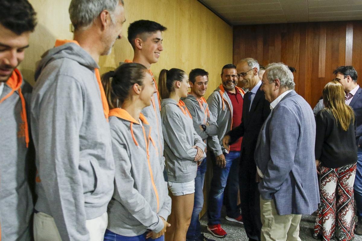El cap de Govern i la ministra de Cultura, Joventut i Esports van voler desitjar sort als esportistes que seran als Jocs de Tarragona.