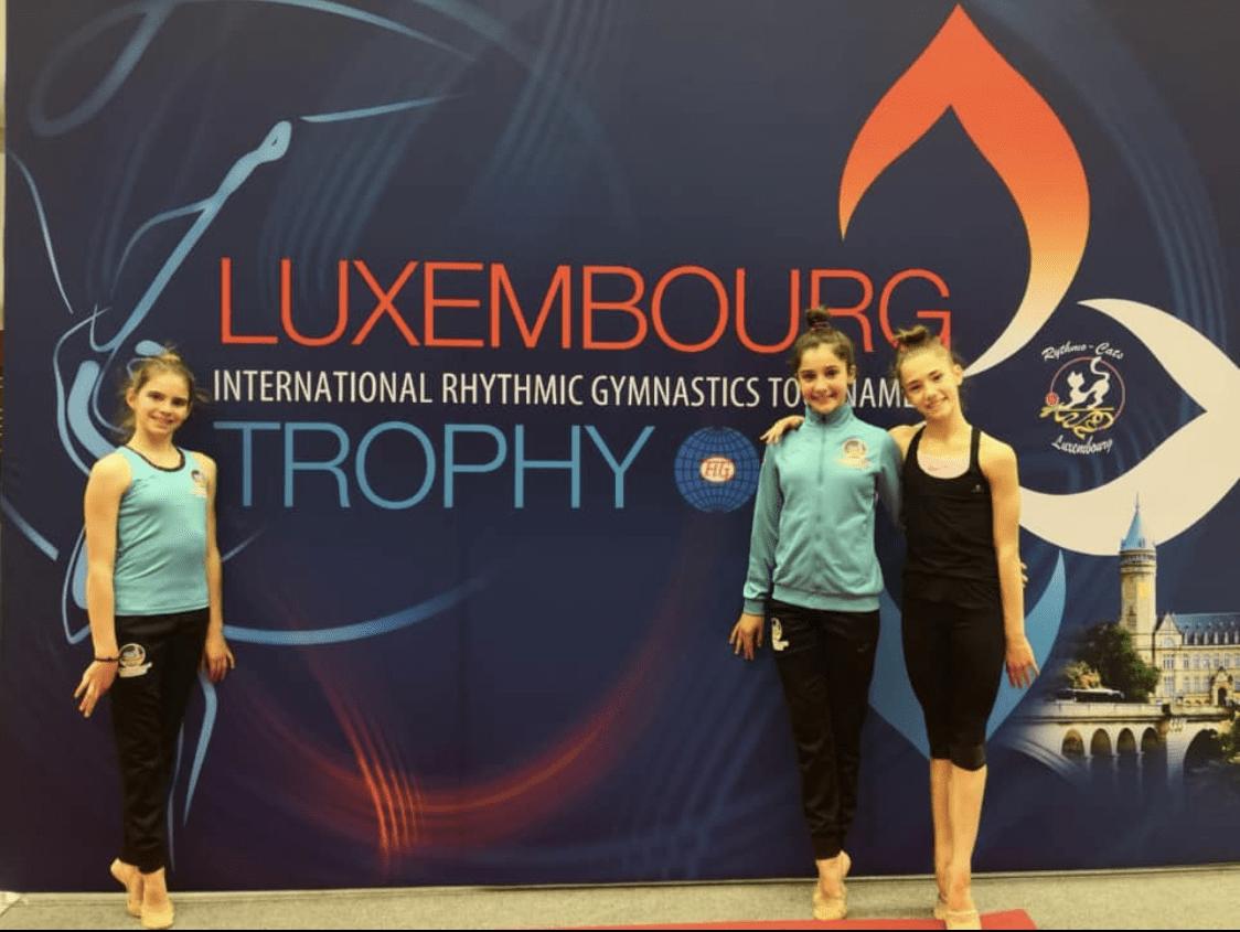 Berta Miquel, Carla Amorós i María Gonzalez, les representants de la FAG a Luxemburg.