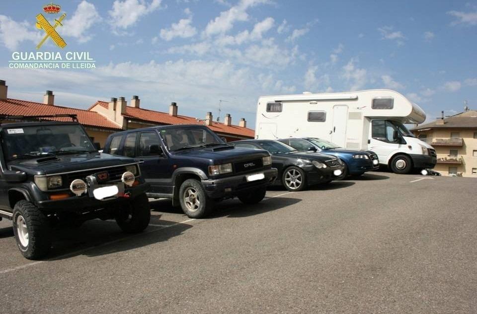 Els vehicles utilitzats per portar a terme el contraban de tabac.