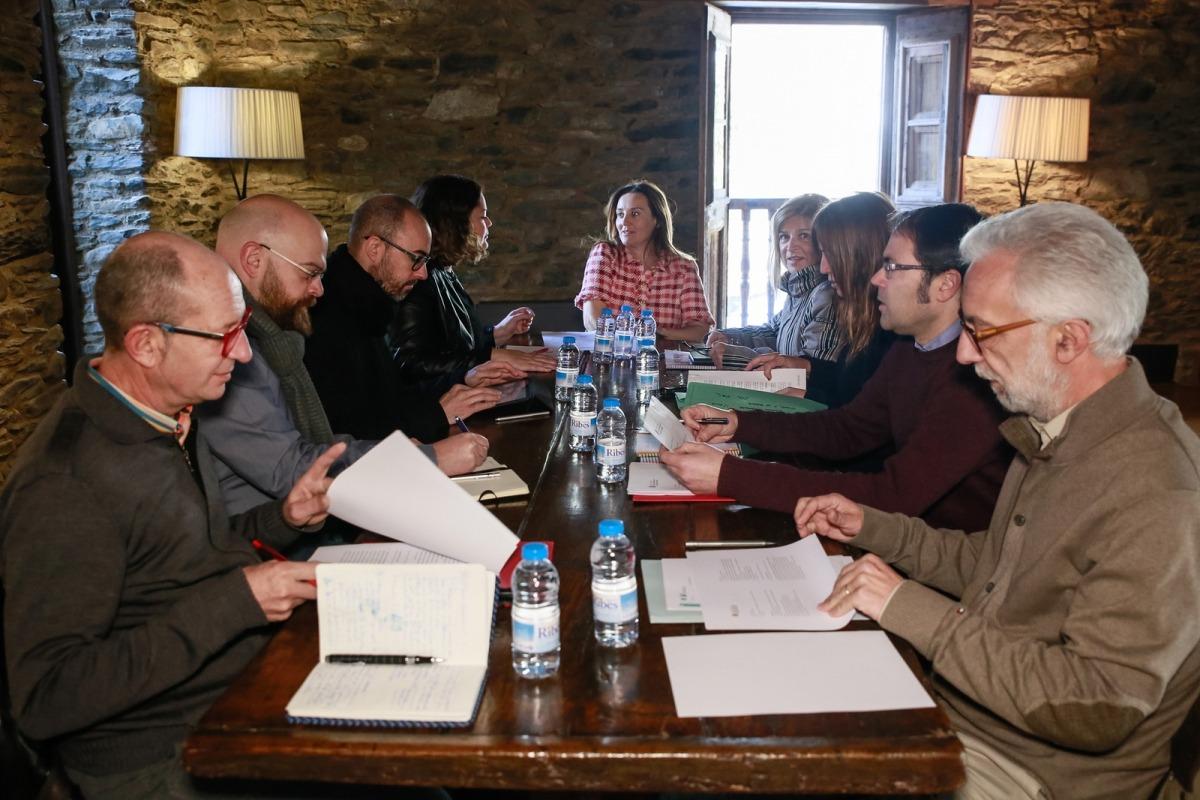 El Consell Assessor es va reunir ahir a cal Pal de la Cortinada amb la ministra Gelabert, la cap de Cultura, Montserrat Planelles, i el coordinador de Patrimoni, Alfons Codina.
