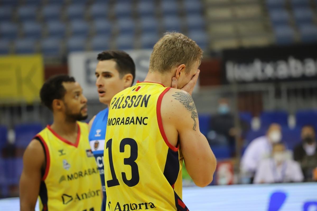 Haukur Palsson va caure eliminat a l'inici de la pròrroga. Foto:ACB Photo / Ó. Araujo