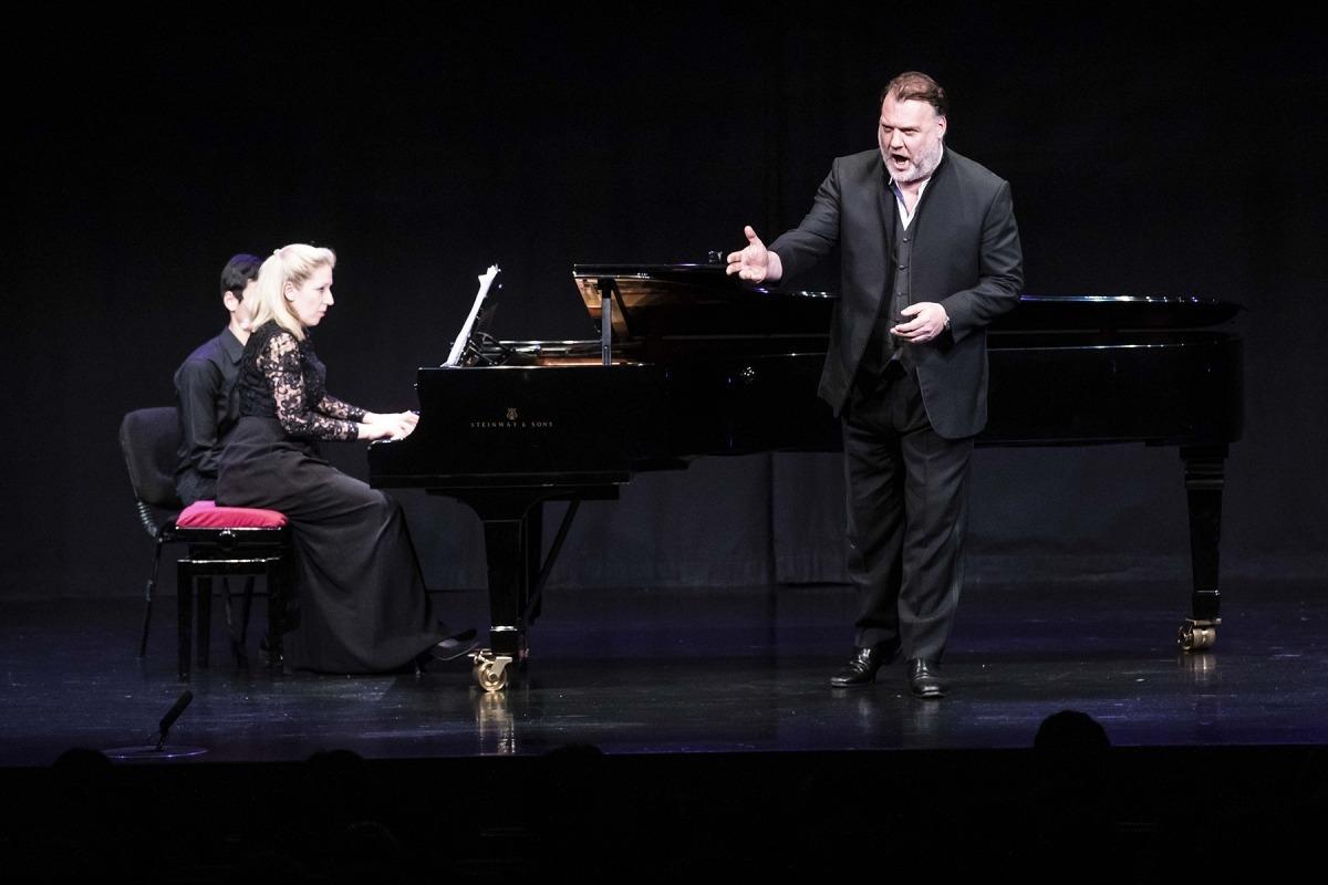 El tenor gal·lès va cantar amb l'acompanyament de la pianista Annabel Twhaite.