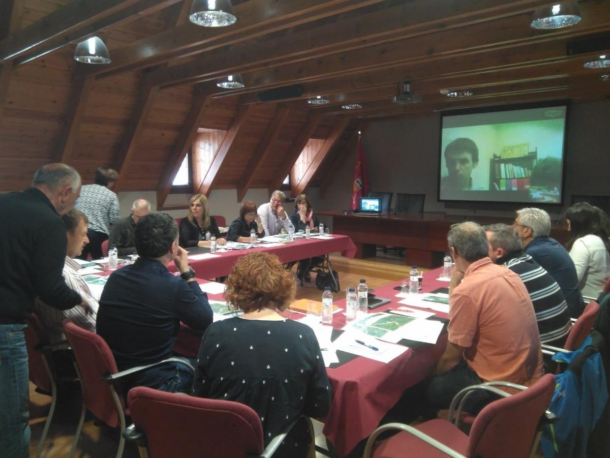 La reunió de treball sobre el camí de Sant Jaume que es va fer ahir a la Vall d'Aran.