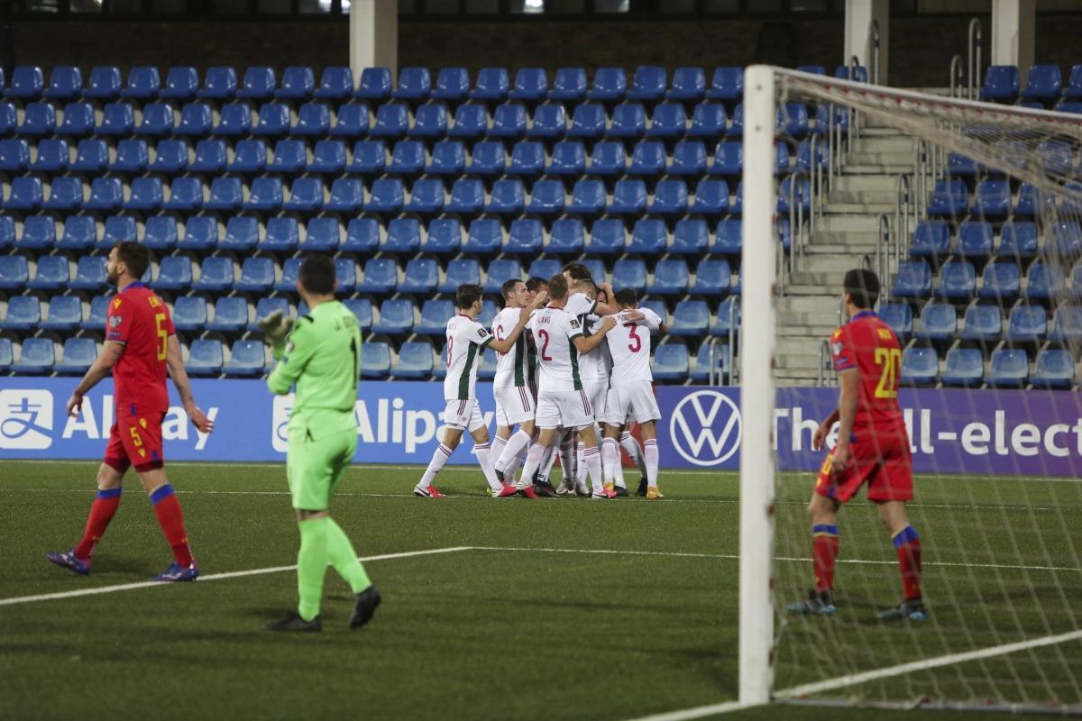 Hongria, molt millorada respecte del 2017, celebra un dels quatre gols i el porter José Antonio no se'n sap avenir.Foto: Facundo Santana