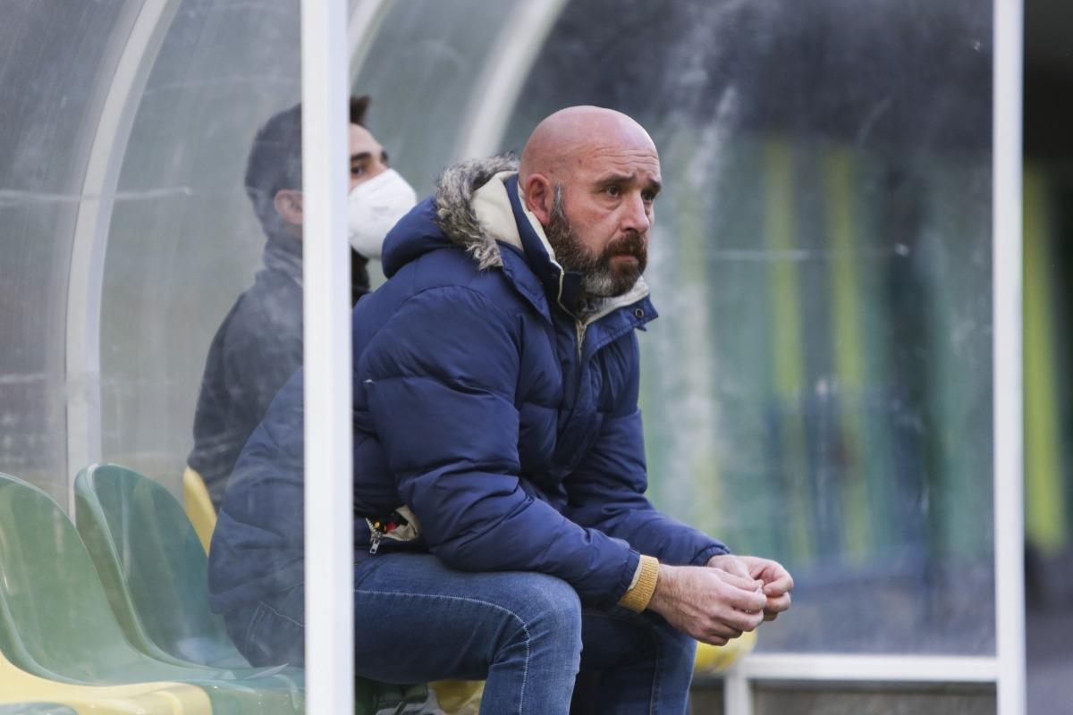 Nacho Castro, destituït, no continuarà a la banqueta de l'FC Andorra. Foto: Facundo Santana