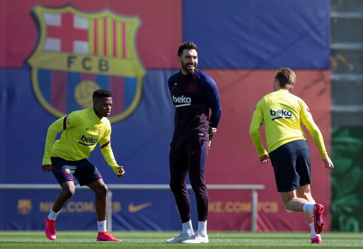 Eder Sarabia la temporada passada, quan va estar com a segon entrenador de l'equip blaugrana amb Quique Setién d'entrenador principal. Foto: FC Barcelona