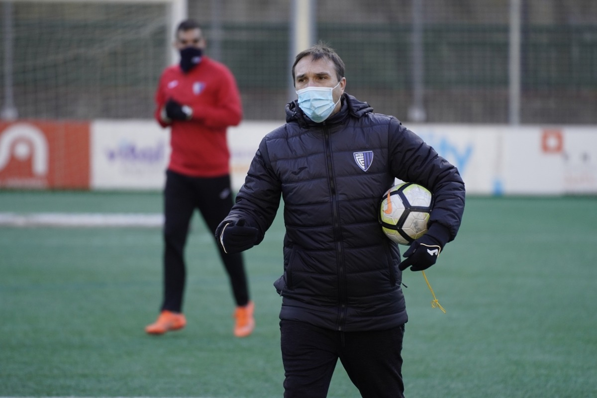 'Rodri' ja dirigeix els entrenaments de l'Inter Club Escaldes al costat d'Otger Canals i Josep Manel Ayala. Foto: Interescaldes.com