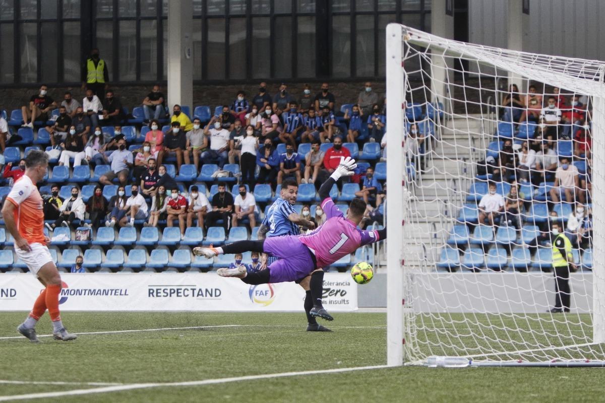 Gerard 'Hulk' Artigas va marcar el 2 a 0 a centrada de Jordi Betriu. Foto: Facundo Santana