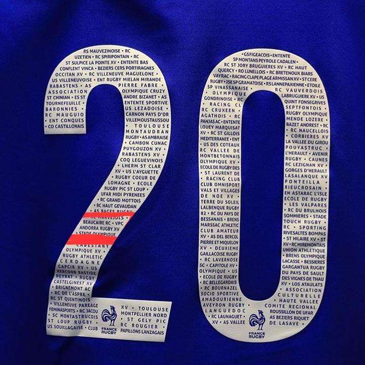 El dorsal dels jugadors de França de rugbi van lluir noms de clubs amateurs. Foto: Twitter