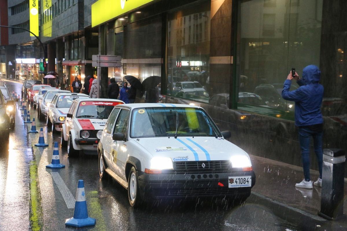 L'R5 GT Turbo de Puig, amb què va guanyar el 1991, desfila per Bonaventura Ermengol en una de les últimes edicions de regularitat.