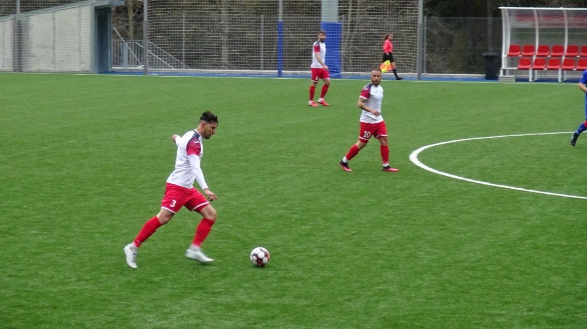 Juanma Miranda, amb els colomencs. Foto: Twitter FC Santa Coloma