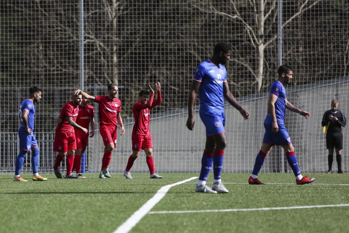 Gerard 'Hulk' Artigas celebra el 0 a 4 amb Jordi Betriu i Adrià Gallego. Foto: Facundo Santana