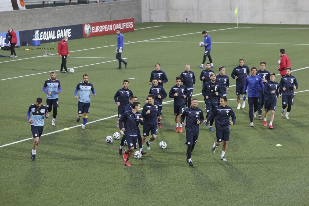 La selecció d'Andorra es va entrenar ahir a l'Estadi Nacional. Foto: Facundo Santana