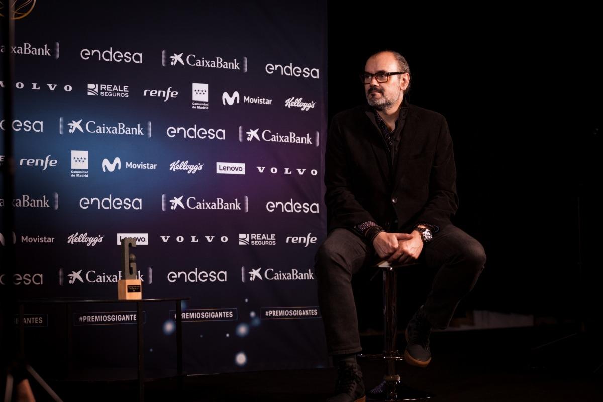 El director esportiu del BC MoraBanc, Francesc Solana, amb el premi Gigantes. Foto: BC MoraBanc Andorra