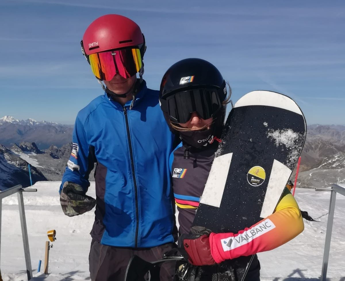 Mario da Cruz i Maeva Estevez, surfistes de neu de la FAE, a Stelvio. Foto: FAE