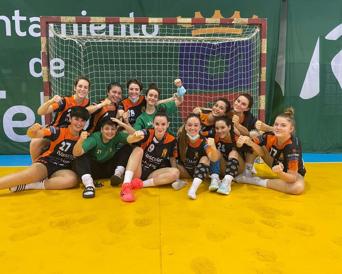 Margot Oliva, amb el seu club l'Handbol Sant Vicenç a Torrevieja. Foto: Handbol Sant Vicenç