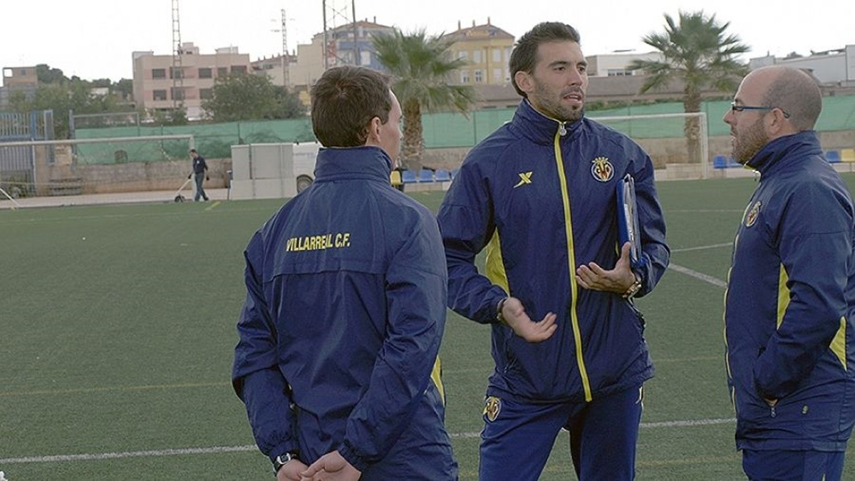 Eder Sarabia, en la seva etapa a Vila·real, amb Manu Torres. Foto: Vila·real CF