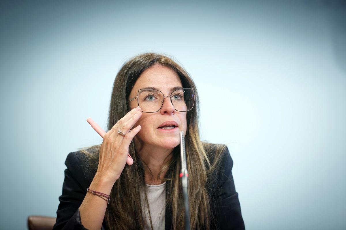La ministra d'Esports, Sílvia Riva, a la roda de premsa de presentació de les beques ARA. Foto: SFGA / C. Esteve