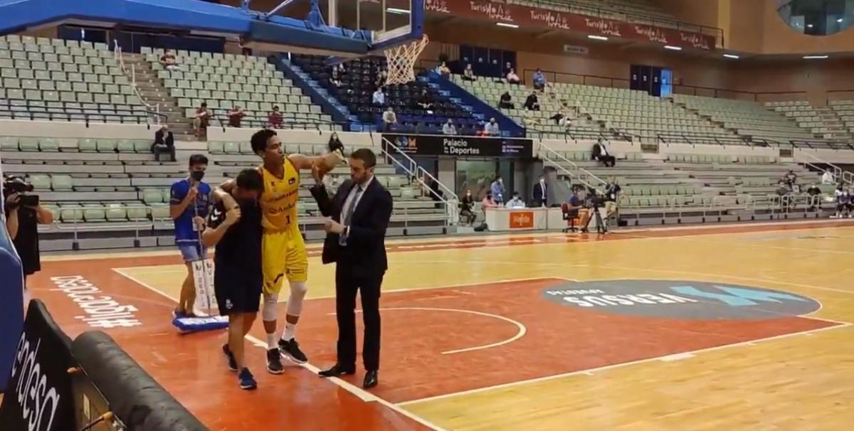 'Tyson' Pérez es va lesionar dissabte a Múrcia. Foto: ACB.COM