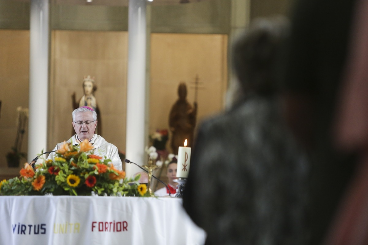 L'arquebisbe d'Urgell i copríncep d'Andorra, Joan-Enric Vives, oficia la missa de Meritxell en presència de les autoritats.