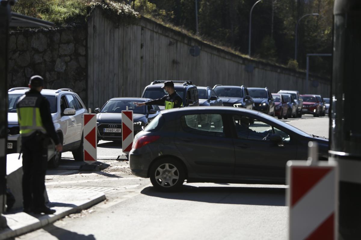 El confinament perimetral ha portat controls fronterers per evitar que entrin o surtin ciutadans sense justificació.