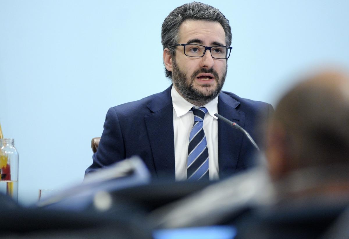 El ministre de Finances, Eric Jover, durant la compareixença posterior al consell de ministres d'ahir.
